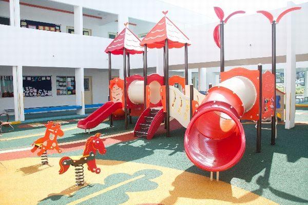 保育園の遊具