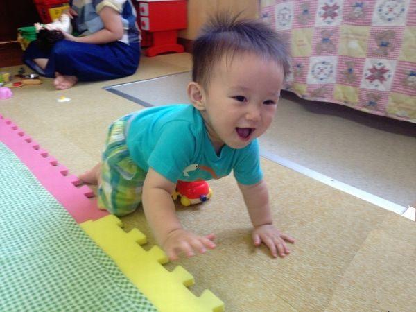 保育園に登園してきた赤ちゃん