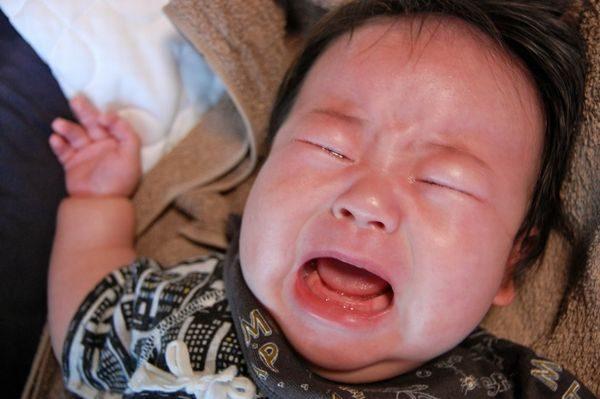 突発性発疹で機嫌が悪い赤ちゃん