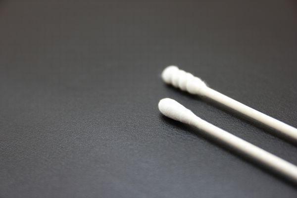 耳垢を取る綿棒