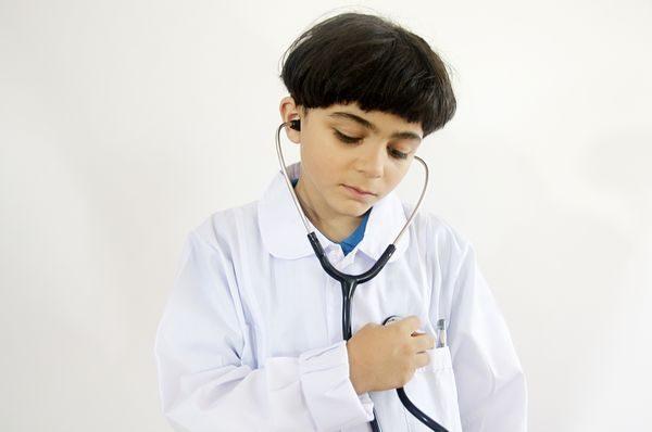気管支炎を疑う子供の医者