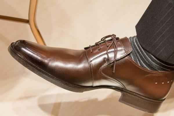 足の臭いが気になる革靴