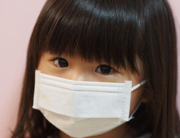 ヘルパンギーナに感染した子供